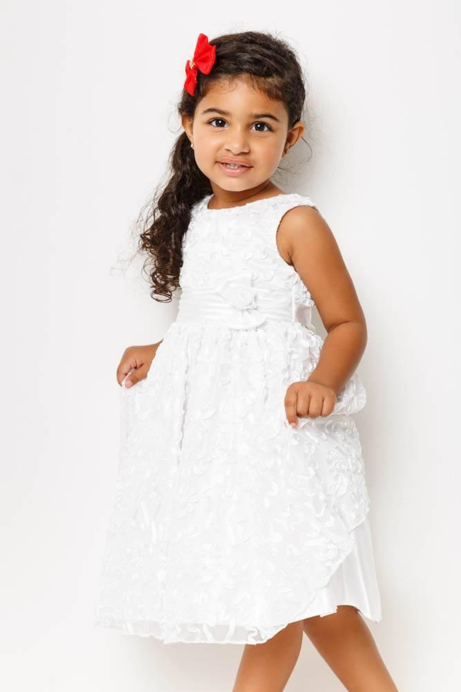 vestido_branco_bordado_cetim