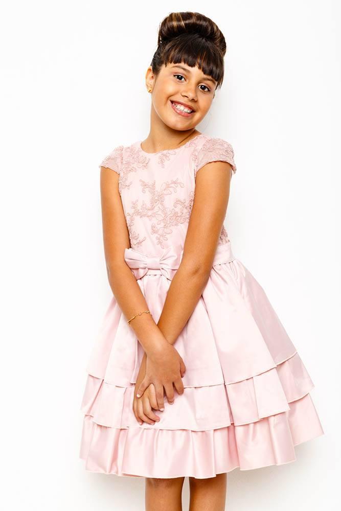 vestido_rose_com_detalhes_renda