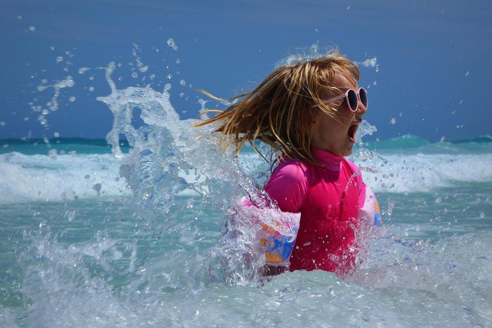 Cuidados com crianças no verão